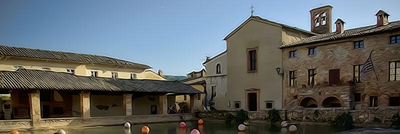 Bagno vignoni la grande vasca rettangolare dove si bagnarono santa caterina da siena e lorenzo - Distanza da siena a bagno vignoni ...